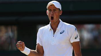 Pospisil passe en huitièmes de finale à Wimbledon