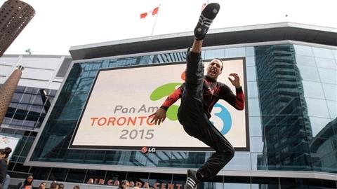 Toronto devenait vendredi de cette semaine l'hôte pendant plus deux semaines de la plus importante compétition sportive sans doute après les Jeux olympiques.