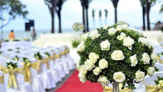 Une cérémonie de mariage.