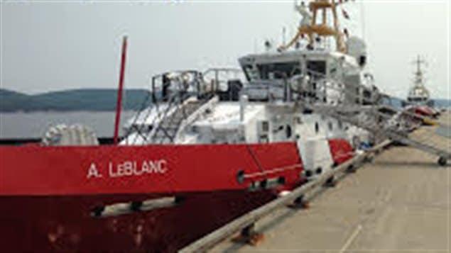 Deux navires de la flotte ont besoin de nouveaux systèmes de commande de la propulsion