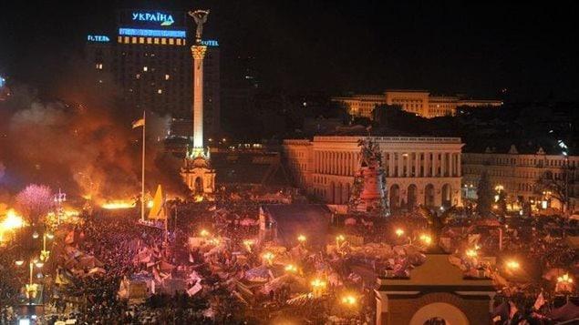 Affrontements entre manifestants et police anti-émeutes à Kiev, le 18 février 2014 © Genya Savilov. AFP
