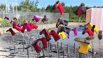 Cônes orange et bottes de caoutchouc s'invitent aux Jardins de Métis