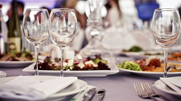 Un restaurant prim a ne change pas le monde sauf que - Restaurant vaise tout le monde a table ...