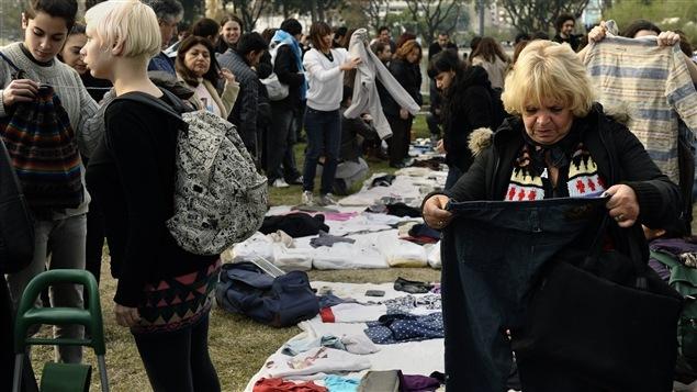 Une gratiferia à Buenos Aires, en Argentine