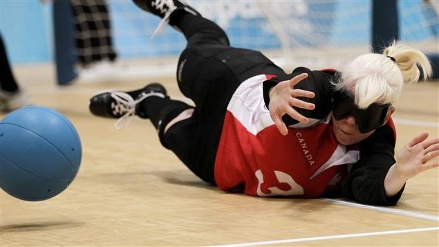 Whitney Bogart de l'équipe canadienne de goalball