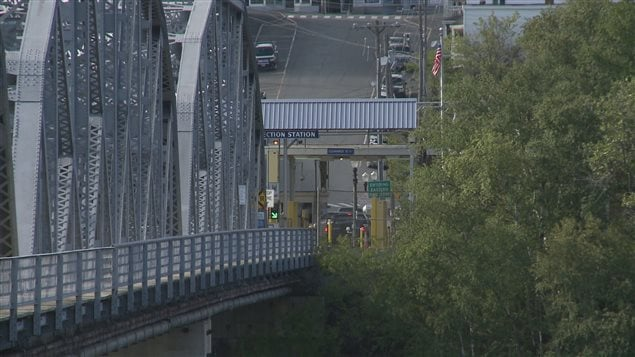 مركز ماداواسكا الحدودي بين مقاطعة نيو برونزويك الكندية وولاية مين الأميركية