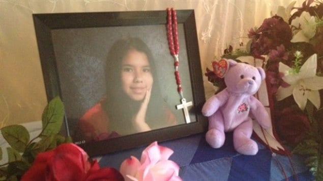 Foto de la joven Tina Fontaine sobre su ataúd en Sagkeeng, su comunidad autóctona de origen, el 22 de agosto de 2014.