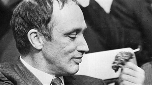 Liberals, including Pierre Trudeau, have held Mount Royal since 1940. We see the famous black-and-white photo of Trudeau, sporting a beatific look, admiring and smelling a rose that he holds in his left hand. His hair is still dark, though in comb-over fashion.