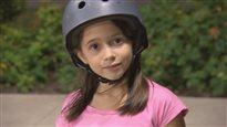 Syrelle, 9 ans, défie les grands sur sa planche