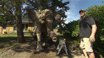 Un éléphant presque réel dans le jardin d'un Albertain