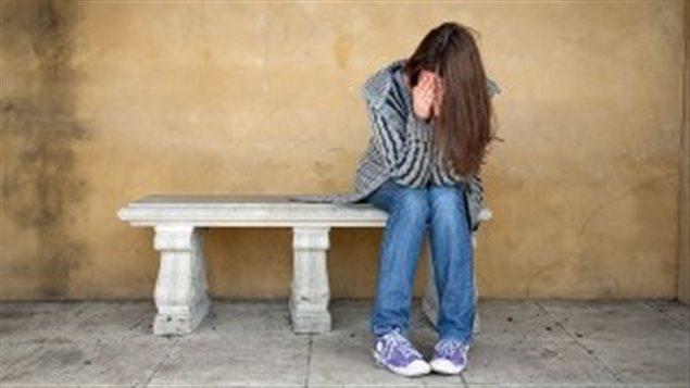 Une jeune fille déprimée
