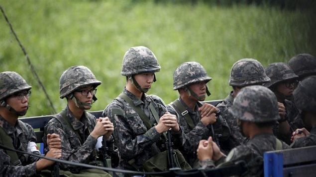 Des soldats sud-coréens à la frontière avec la Corée du Nord