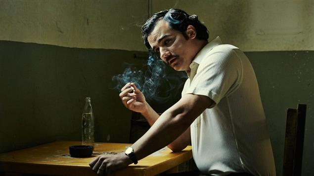 Wagner Moura en Pablo Escobar dans la série <i>Narcos</i>