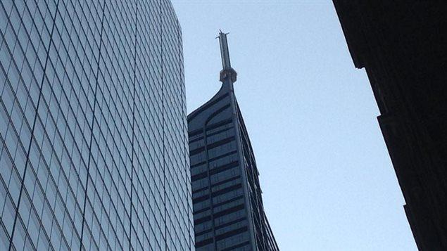 L'antenne au sommet de la tour Trump à Toronto