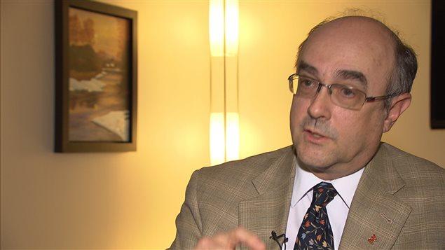 Le Dr Yves Robert, secrétaire du Collège des médecins
