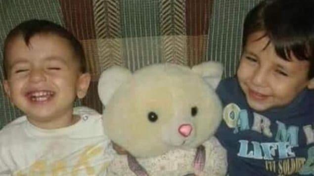 Sur cette photographie de famille non datée, Alan et Galib Kurdi - ( Tima Kurdi - La Presse Canadienne)