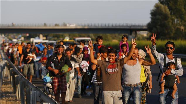 La Hongrie fournira des autobus pour conduire les migrants à la frontière autrichienne