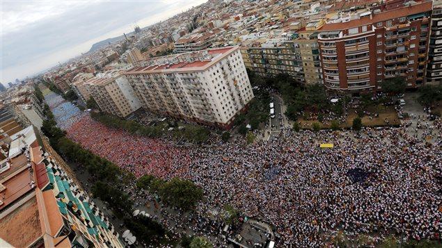 Des centaines de milliers d'indépendantistes ont célébré vendredi à Barcelone la journée nationale de la Catalogne, la Diada.