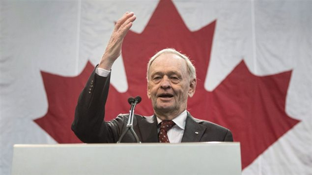 Jean Chrétine plonge dans la campagne électorale. (Chris Young/The Canadian Press)