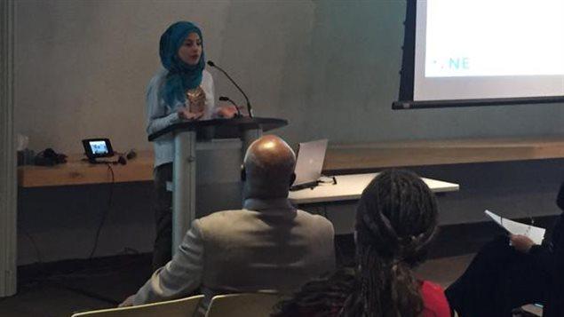 La militante Dalida Awada a souligné que le racisme est très pernicieux et est ancré dans la société.
