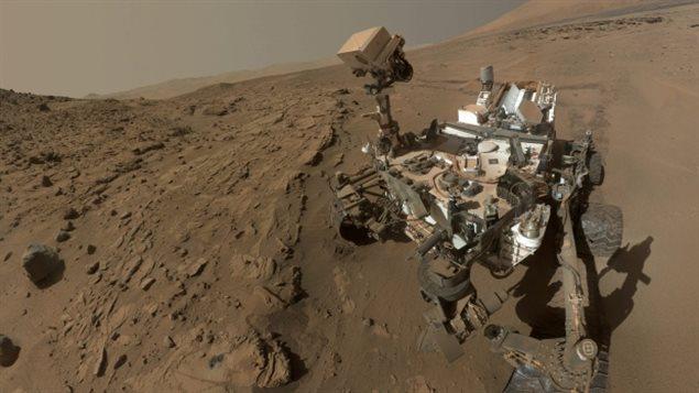 Le robot-vadrouilleur Curiosity est récemment arrivé à cet endroit surnommé «Winnipeg» située dans une zone rocheuse sur Mars connue comme étant la formation Murray.