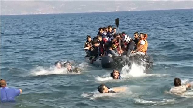 Des migrants tentent d'atteindre les côtes européennes.