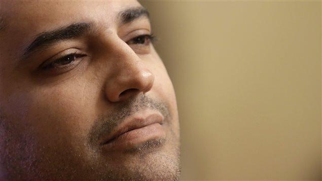 Mohame Fahmy lors d'une entrevue avec AP