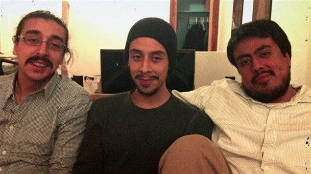Denis et Francisco Carignan avec leur frère Bernard, au centre, décédé suite à un accident d'emportiérage, à Montréal