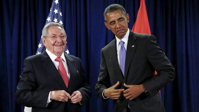 Los presidentes de Cuba, Raul Castro, y de Estados Unidos, Barack Obama