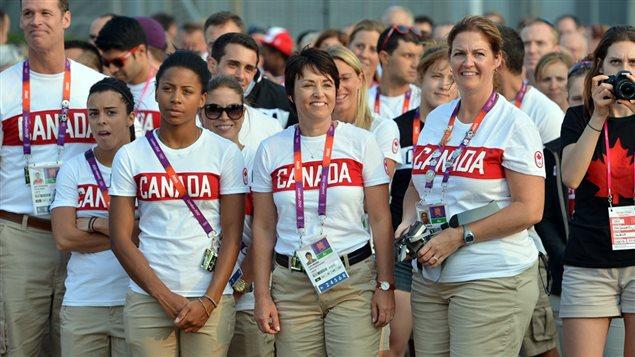 Sylvie Bernier lorsqu'elle était chef de mission adjointe de l'équipe olympique canadienne aux JO de Londres, en 2012.