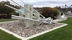 L'oeuvre du sculpteur Gilles Girard, «La drave», à Matane.