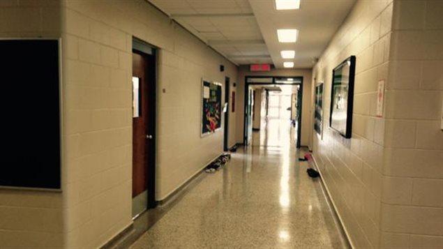 Le personnel de soutien et d'entretien des écoles sont en grève du zèle