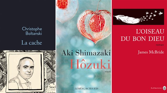 Les couvertures des livres <em>La cache</em>, de Christophe Boltanski, <em>Hôzuki</em>, d'Aki Shimazaki, et <em>L'oiseau du Bon Dieu</em>, de James McBride.