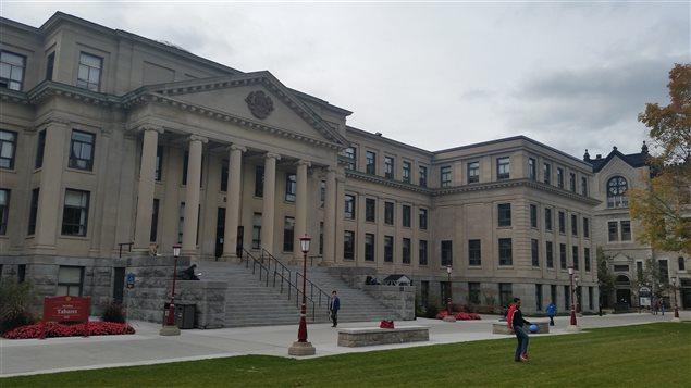Le pavillon Tabaret de l'Université d'Ottawa