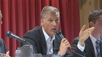 Maxime Bernier essuie la colère des producteurs de lait