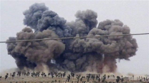 De la fumée en Syrie après un raid aérien russe, le 30 septembre 2015.
