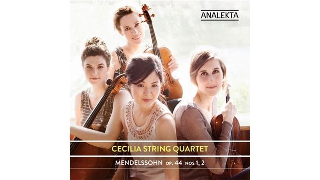 La pochette de l'album <i>Mendelssohn Op. 44 nos 1, 2</i> du quatuor à cordes Cecilia, paru sous étiquette Analketa