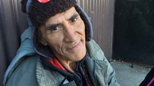 À Saskatoon, le sans-abri Mishumd espérait même sans adresse fixe voter aux récentes élections canadiennes.