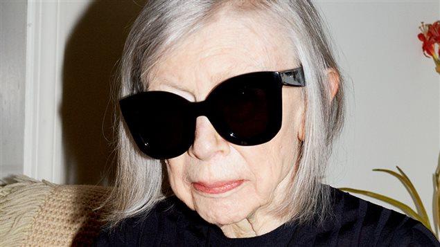 Joan Didion dans une publicité de la marque Céline (détail)