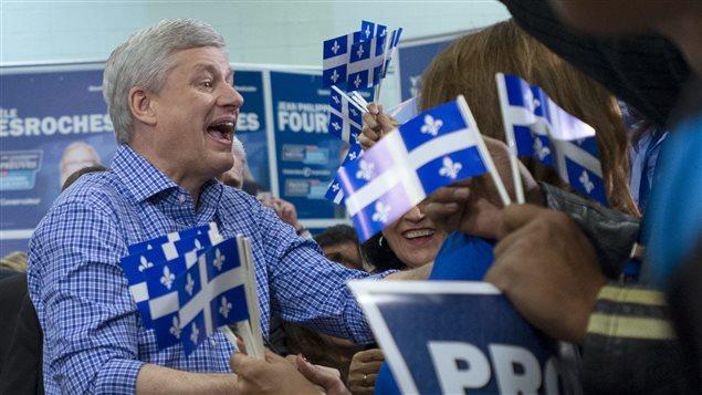 Stephen Harper a participé à un rassemblement de partisans à Laval, samedi, lors d'un dernier arrêt au Québec en cette fin de campagne.