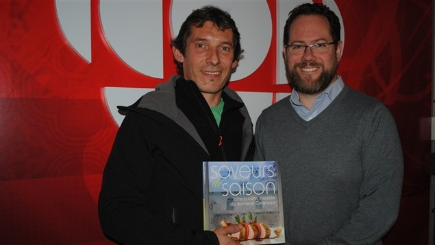 Christophe Alary, chef de l'école hôtelière de la Capitale et Frédéric Smith, historien. Ils présentent leur livre: «Saveurs de Saison, une cuisine inspirée du domaine Cataraqui»