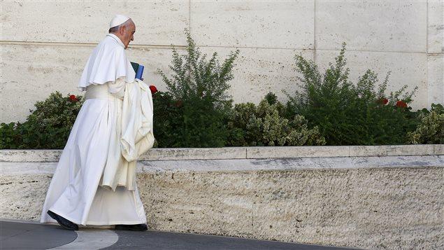 Le pape François quitte le synode de l'Église catholique