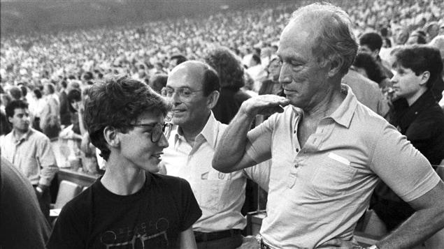 Justin et Pierre Elliot Trudeau à un match des Expos en 1987