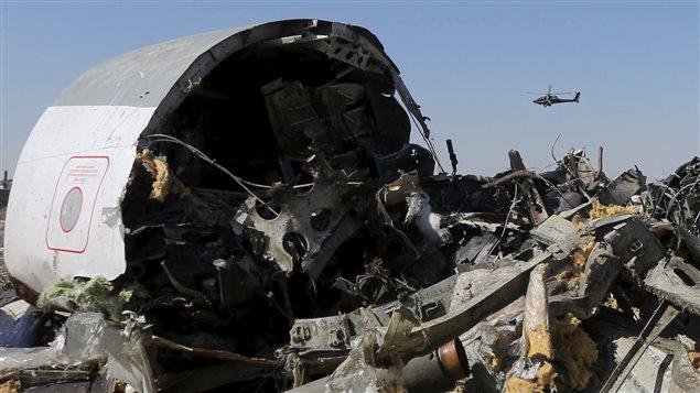 Les décombres de l'Airbus A321 qui s'est écrasé dans le Sinaï le 31 octobre 2015.