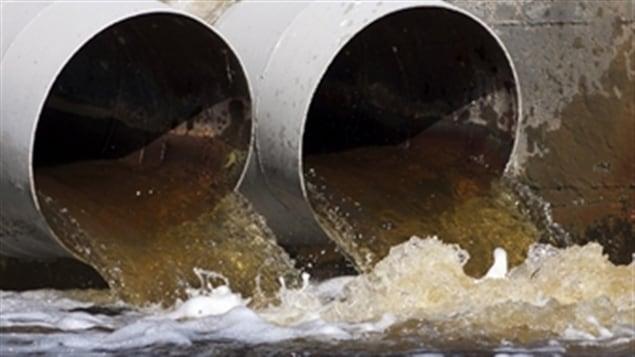 Montréal a procédé au déversement de 8 milliards de litres d'eaux usées dans le fleuve Saint-Laurent.