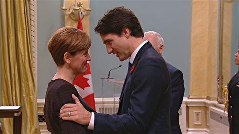 La nouvelle ministre, Marie-Claude Bibeau en compagnie de son chef, Justin Trudeau