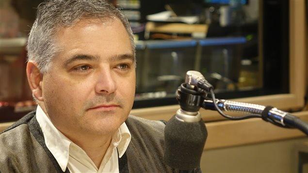 Sylvain Mallette au micro d'Alain Gravel