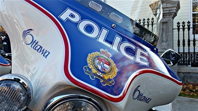 Une motocyclette de la police d'Ottawa. (04-11-15)