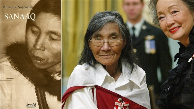 Mitiarjuk Nappaaluk reçoit l'Ordre du Canada des mains de la gouverneure générale Adrienne Clarkson, en 2004. À gauche, la couverture de <i>Sanaaq</i>.