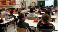 Moyens de pression de la FAE: des commissions scolaires s'adressent aux tribunaux